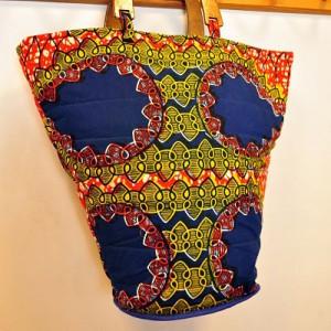 Grand sac à main - tissu africain & anses en bois
