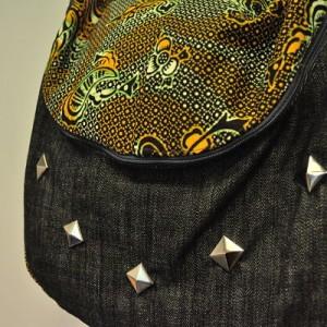 Sac à main en jeans et tissu africain + clous